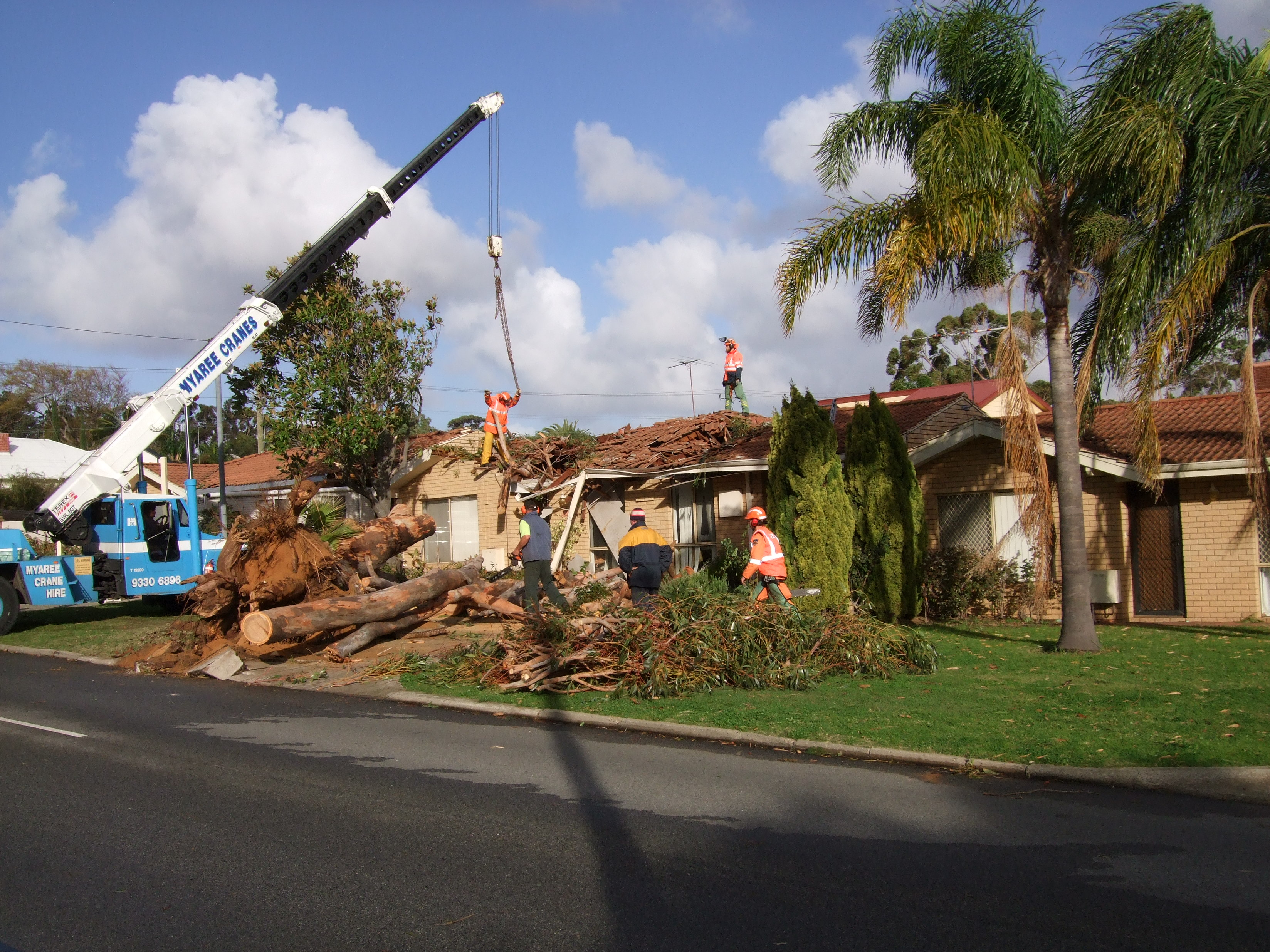 Tornado damage in Palmyra, Perth, 18 July 2008