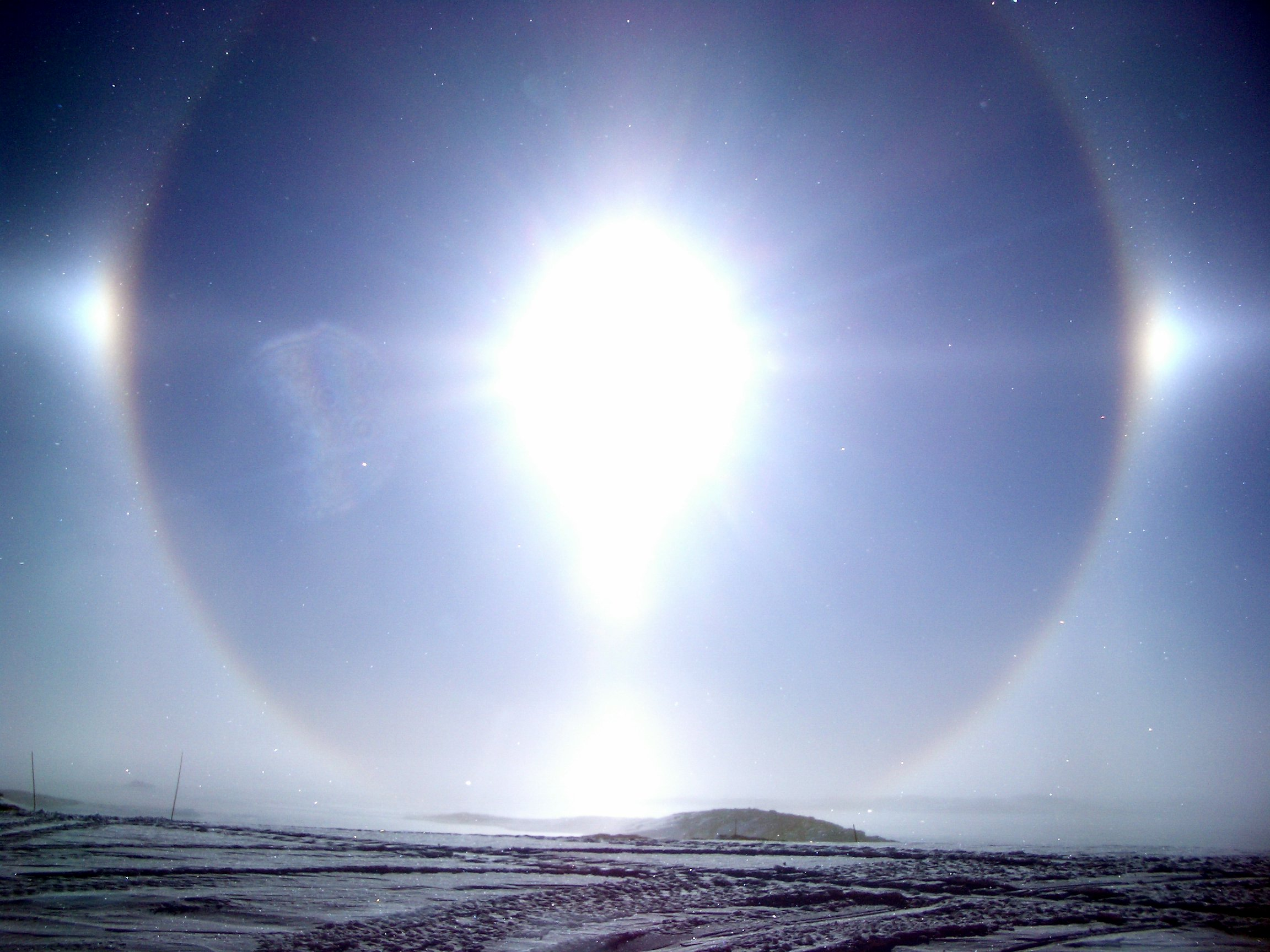 Image of diamond dust in Antarctica