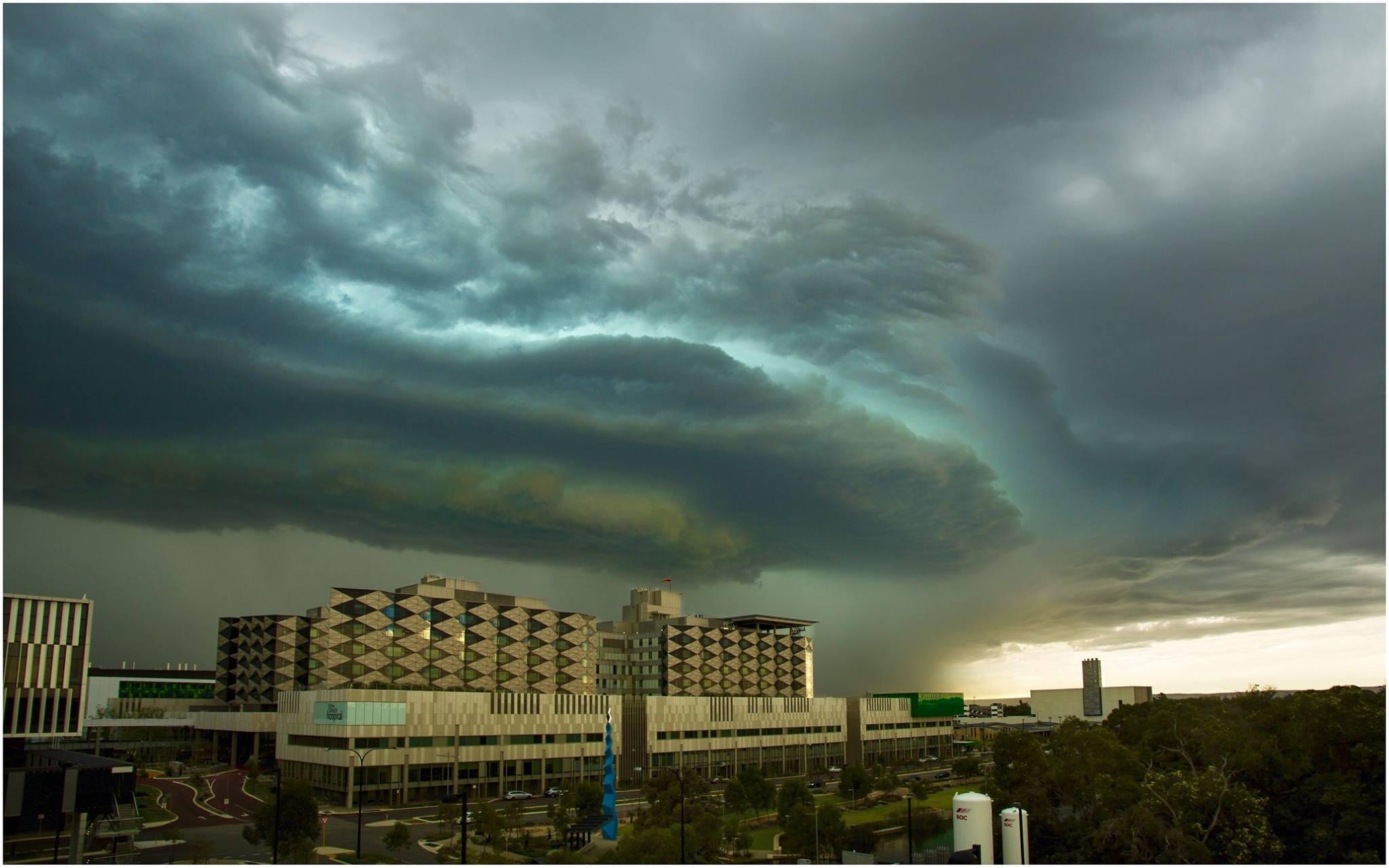 Image: Green-tinged storm cloud over Perth, February 2015. Credit: Ben Clark, cloudtogroundimages.com
